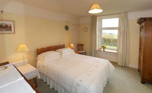 http://www.lochside-arran.co.uk/images/330-thumb.jpg
